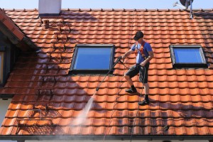 46002659 - roof cleaning with high pressure